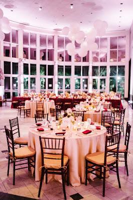 reception area table decor