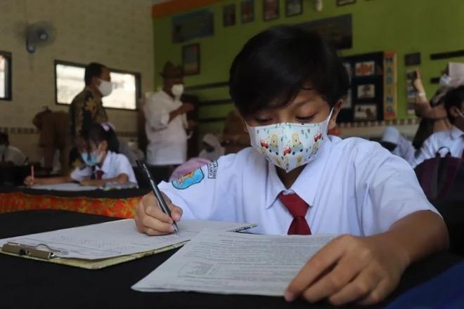 Jokowi Izinkan Belajar Tatap Muka, Jika Seluruh Pelajar Telah Divaksin