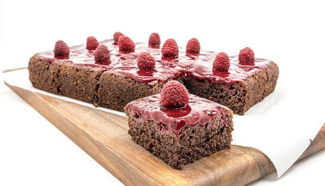 Vegan choco banana cake with raspberry recipe