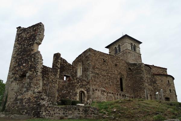 loire forez prieuré saint-romain-le-puy