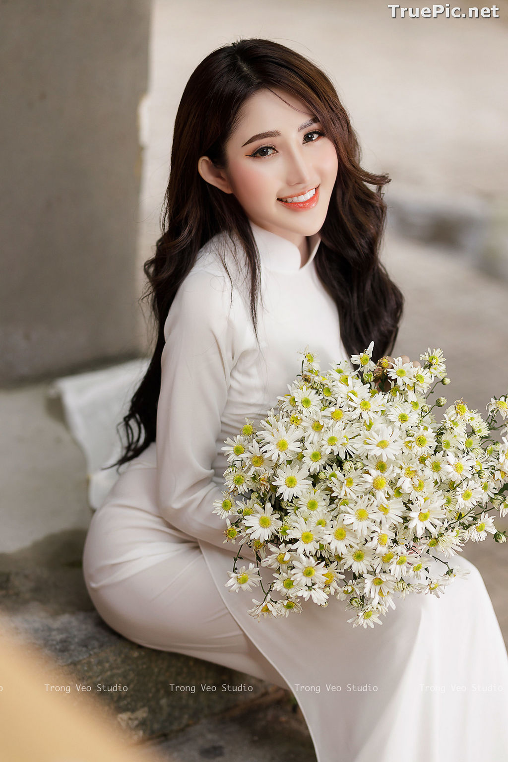 Image The Beauty of Vietnamese Girls with Traditional Dress (Ao Dai) #3 - TruePic.net - Picture-1