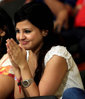 dhoni-must-control-his-tears-sakshi
