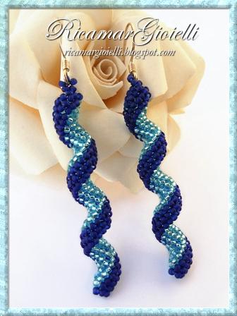 """Orecchini a spirale """"Indespiral"""" in peyote tubolare"""
