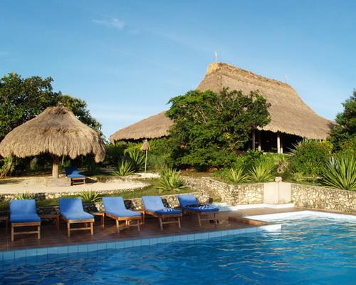 www.Tinuku.com Nautil Sumba Resort on Marosi beach presenting Sumba island ethnographic into restaurants architecture