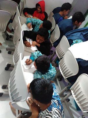School Visit Menulis bersama tim Faber Castel. SMA Muhammadiyah 10 Surabaya: Talents Executive School