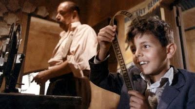 """Totó y Alfredo, en la sala de proyección del """"Cinema Paradiso"""""""