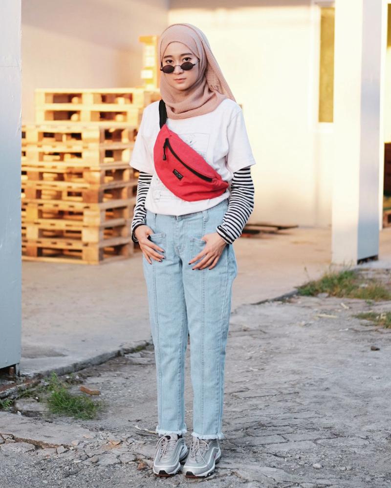 warna celana jeans untuk hijab warna nude