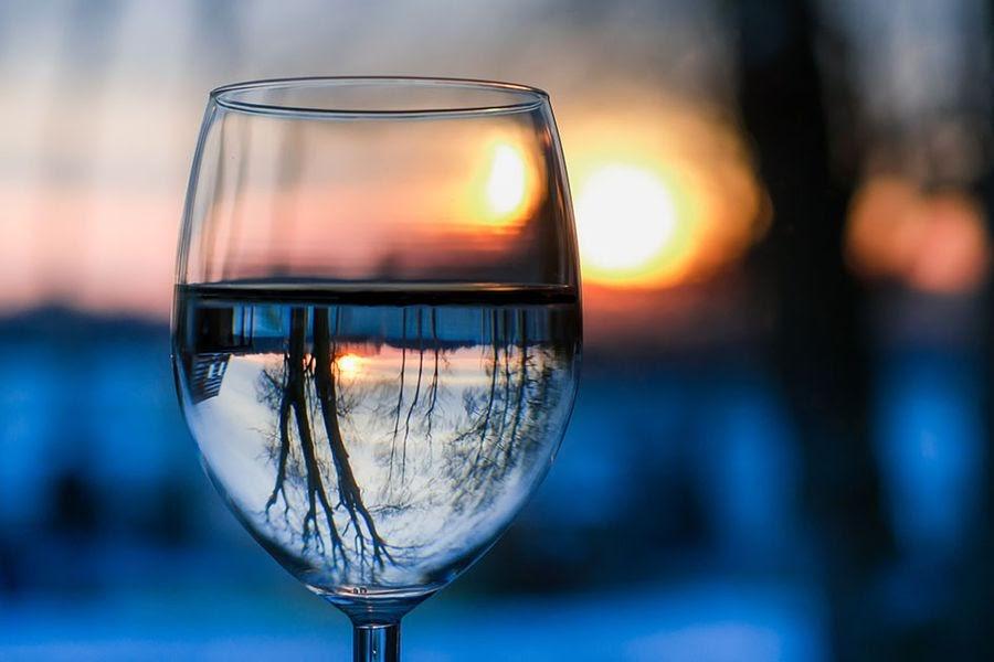 vaso-de-agua-o-vaso-con-agua-segun-la-rae