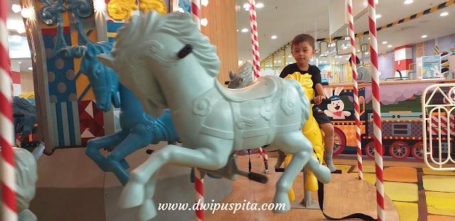 Carausel Miniapolis pakuwon mall surabaya