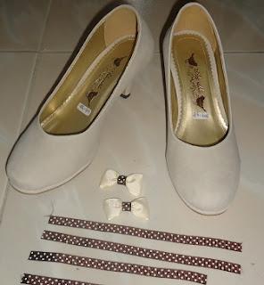 Cara Permak Sepatu dengan Aksesories Pita