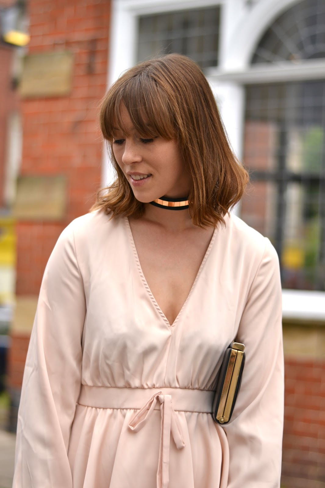 Alternative summer occasion outfit wearing pink, black and gold