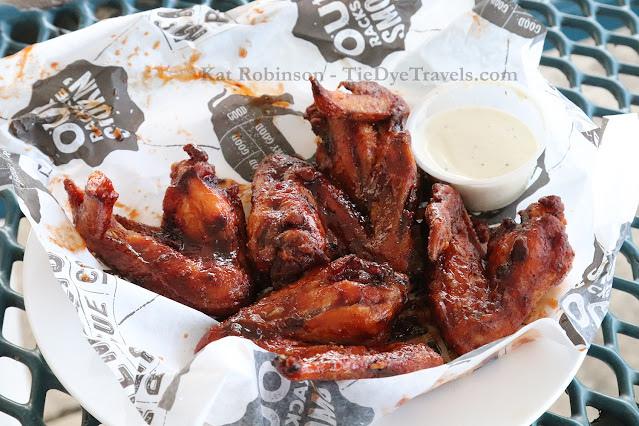 A basket of six wings from Memphis Barbecue Company in Horn Lake, MS.