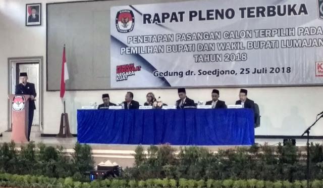 Wabub dr. Buntaran saat menghadiri Rapat Pleno Terbuka Penetapan Paslon Terpilih