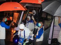 Hujan Deras Sambut Kedatangan Jamaah Haji Kloter 13 MES