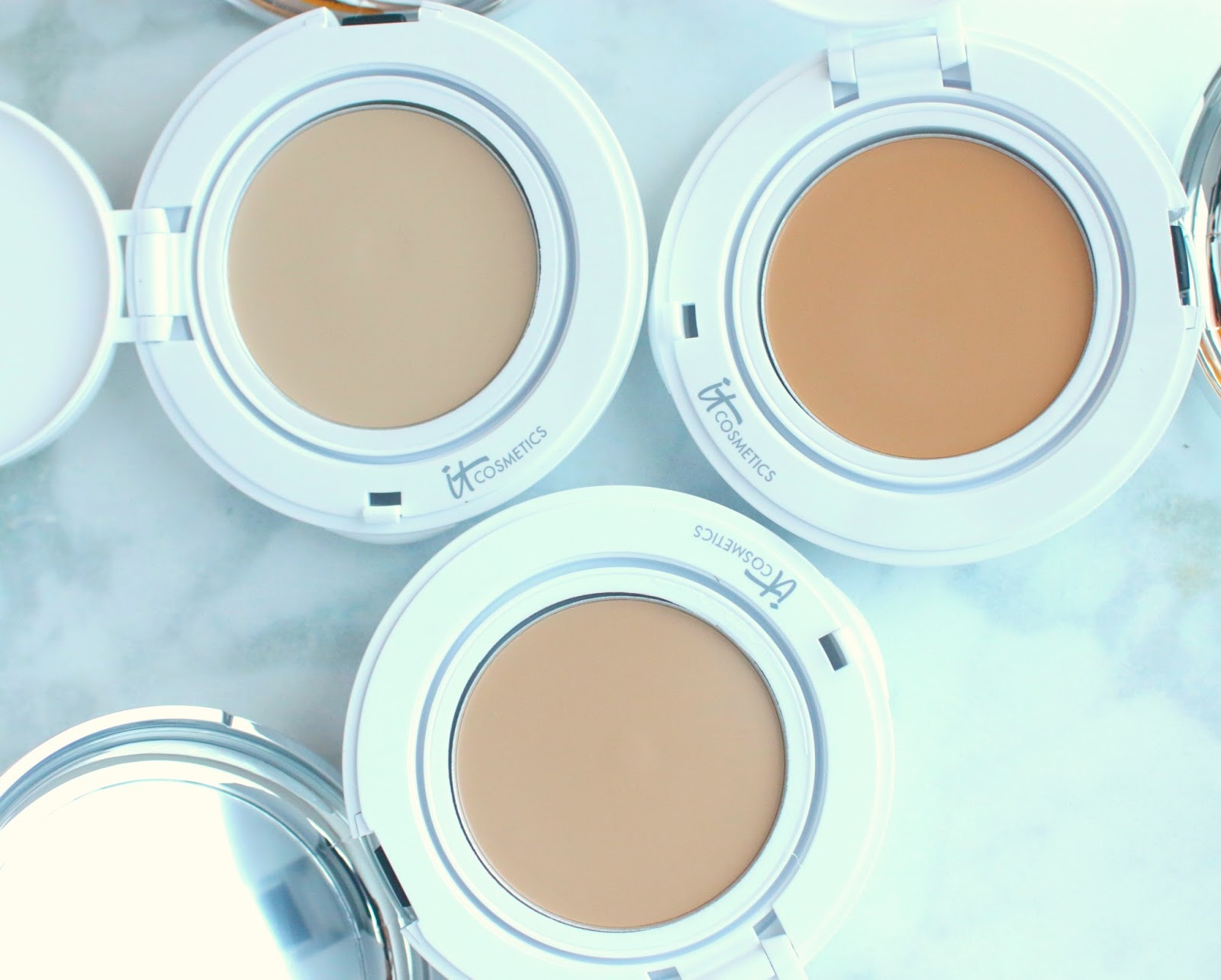 how to use it cosmetics confidence in a compact