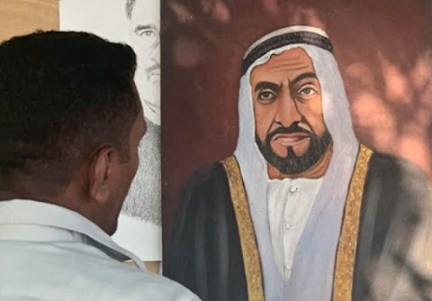 Sheikh Zayed's painting attracts a client, says a Lahore street artist