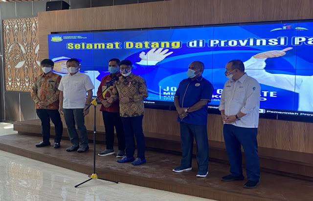 Johnny Plate Jamin Ketersediaan Jaringan TIK Saat Pelaksanaan PON XX