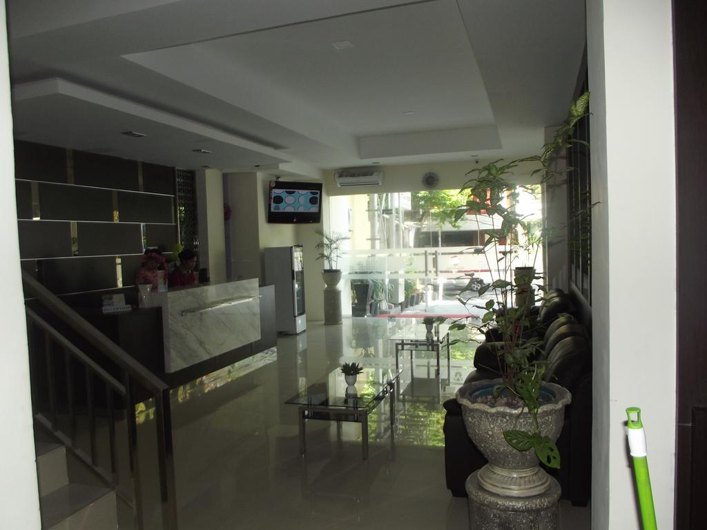 MANADO INN HOTEL YANG NYAMAN DENGAN DESAIN MINIMALIS- REVIEW