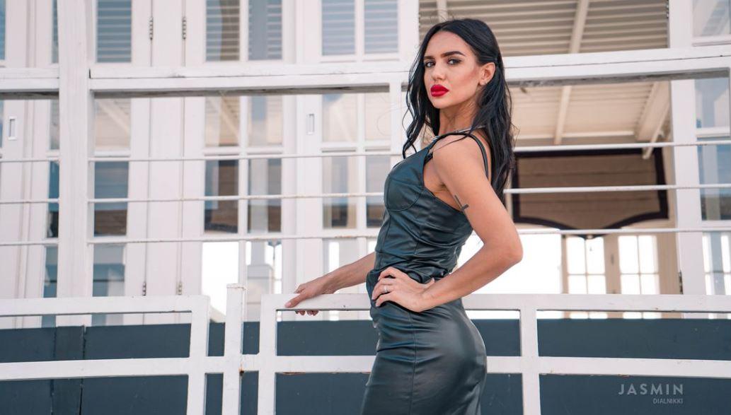 DialNikki Model GlamourCams