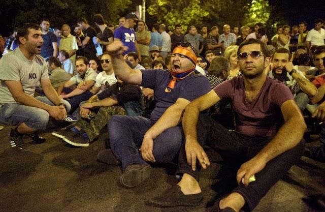 Armenia Police Station Siege Gunmen Surrender, 20 Arrested
