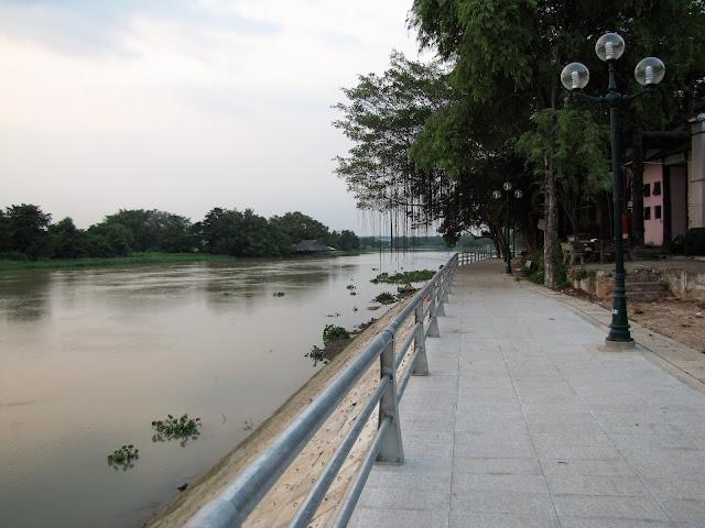 river walk ben duoc cu chi tunnels vietnam