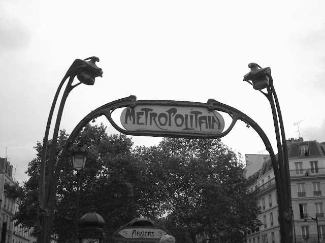 Paris metropolitain travel trip