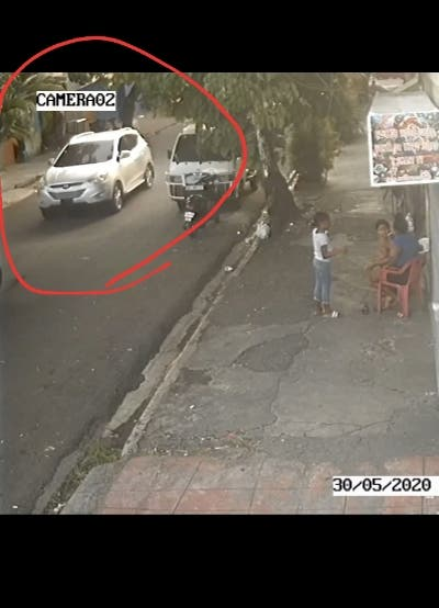 Delincuentes en jepeta asaltan grupo de personas en la capital