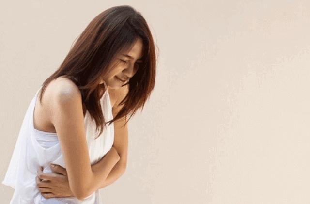 كيفية علاج تمدد الأوعية الدموية الأبهري