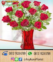 bunga meja sangat populer di toko bunga bekasi