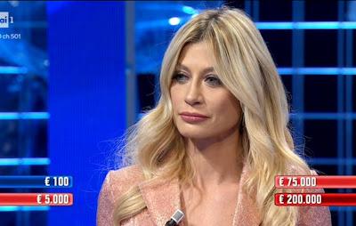 Maddalena Corvaglia affari Tuoi foto viso