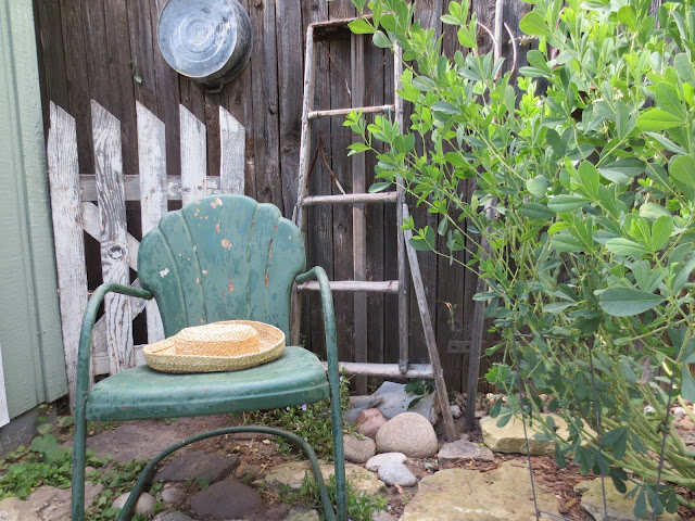 French Country Style From The Foot Of The Rockies Garden