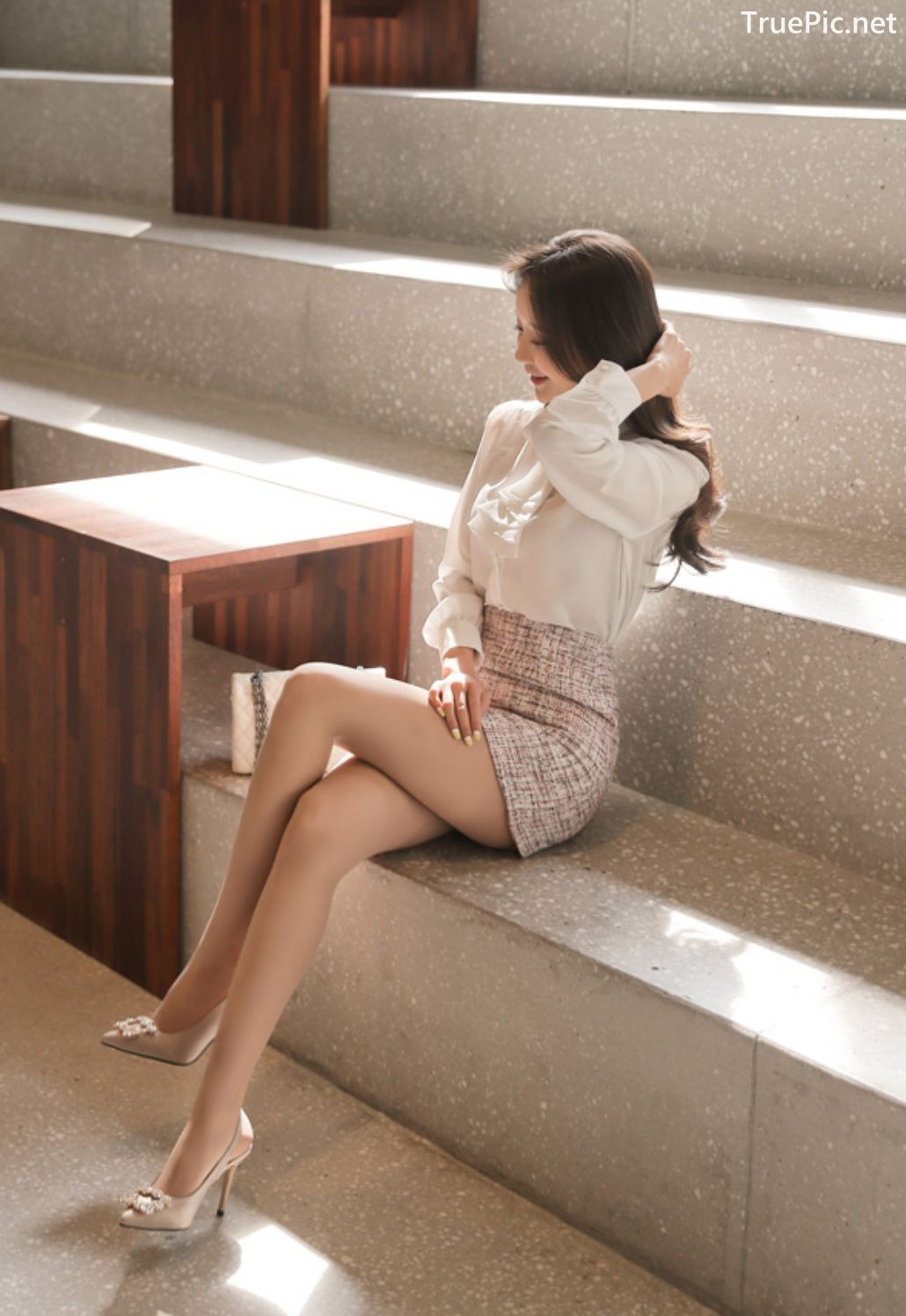 Image-Hot-Korean-Fashion-Model-Son-Yoon-Joo-She-So-Lovely-With-Miniskirt-TruePic.net- Picture-2