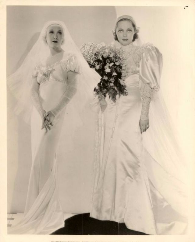 In Wedding Dresses 34 Luxury Helen Twelvetrees and Adrienne