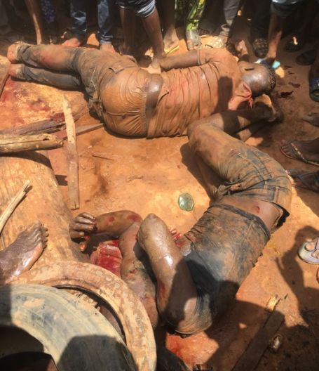 Graphic: Members Of Notorious Baddo Gang Face Jungle Justice In Lagos