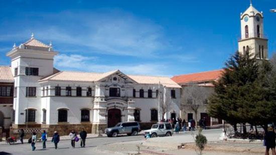 Cívico suplica a Evo que ya no abandone a Villazón