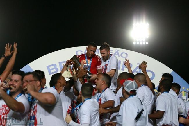 Náutico celebra 1º título nacional