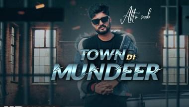 Town Di Mundeer Lyrics - Attri Saab