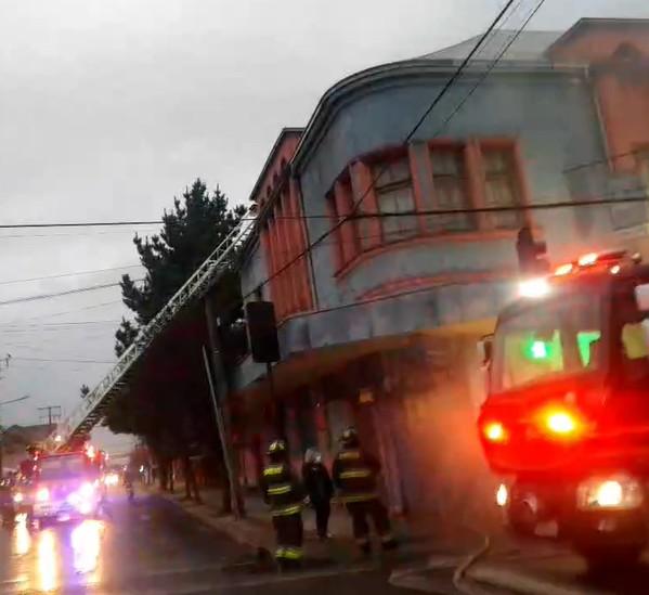 Osorno: Incendio afecta varios locales del centro de la ciudad