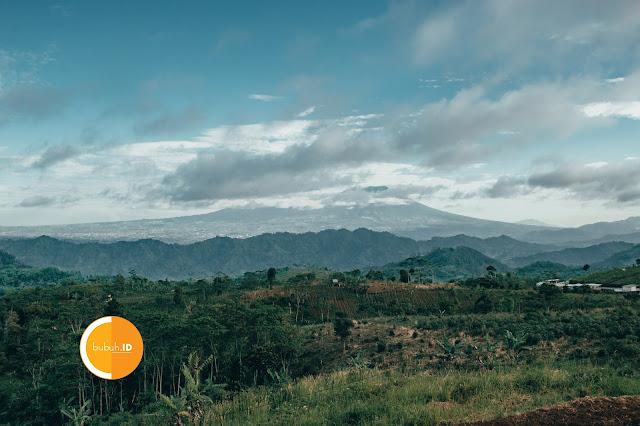 Jalur Baru Nyalindung - Sukabumi - Tempat enak buat beristirahat sejenak di perjalanan kalau ke bibijilan atau jalur sagaranten