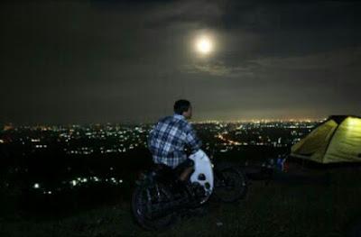 panorama puncak moyeng malam hari