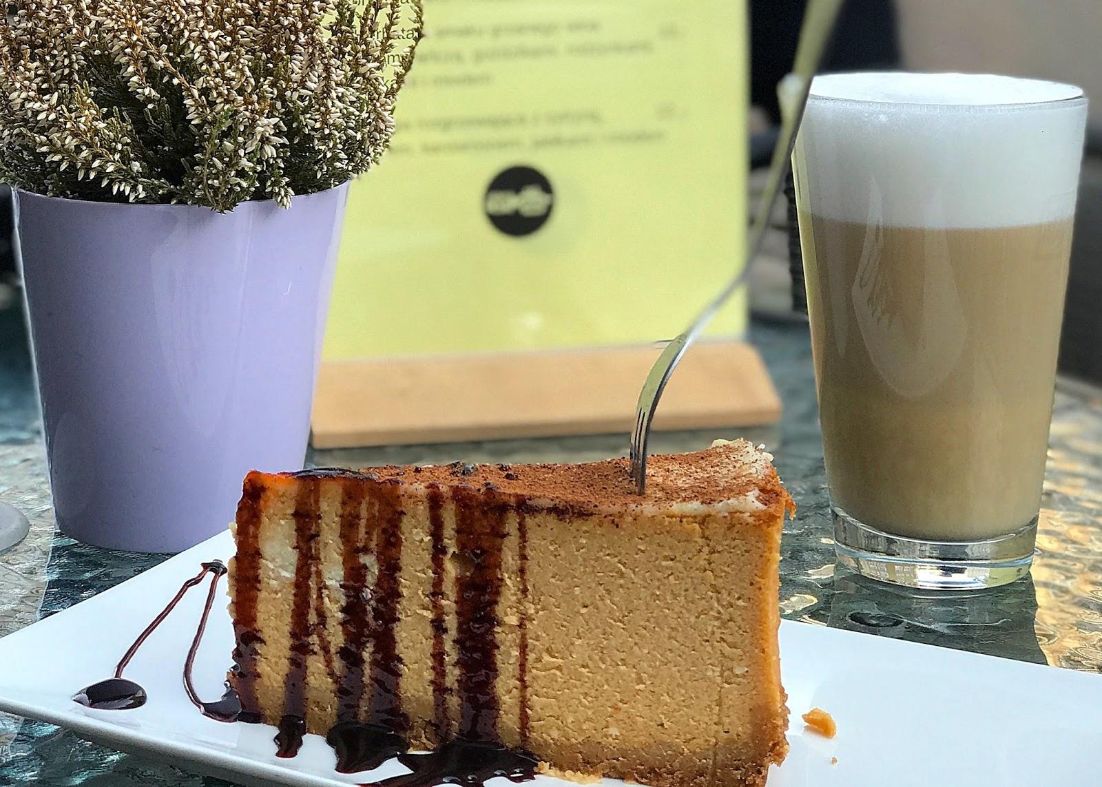 Aniam Cafe