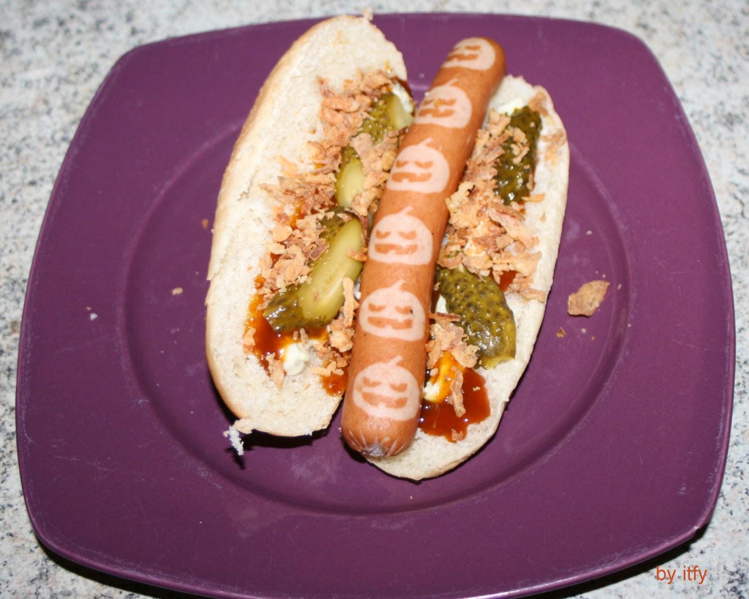 i test for you happy halloween grussel hot dog. Black Bedroom Furniture Sets. Home Design Ideas