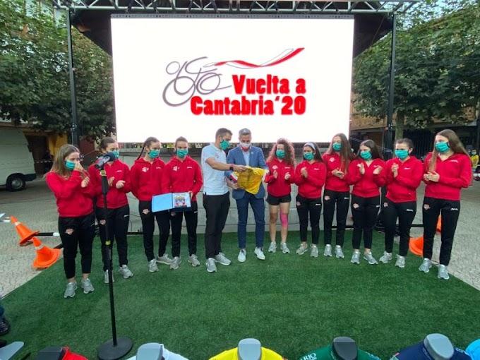 El Club Ciclista Meruelo fue reconocido durante la presentación de la Vuelta a Cantabria masculina