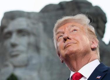 Trump incita divisão na véspera do 4 de julho