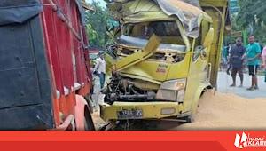 Jalan Raya Godong Sempat Macet Total Karena Kecelakaan Truk