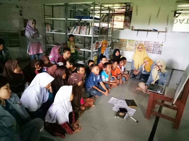 BEM FE Gunadarma lakukan aksi pengajaran Umakumasi