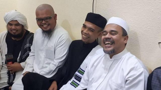 Ustadz Abdul Somad Ungkap Alasan Umat Sangat Mencintai Habib Rizieq Shihab