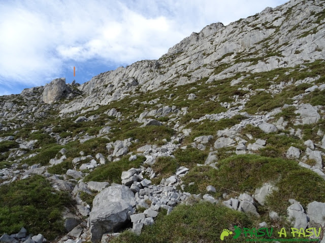 Ruta a Peña Melera y Los Pandos: Subiendo Los Pandos