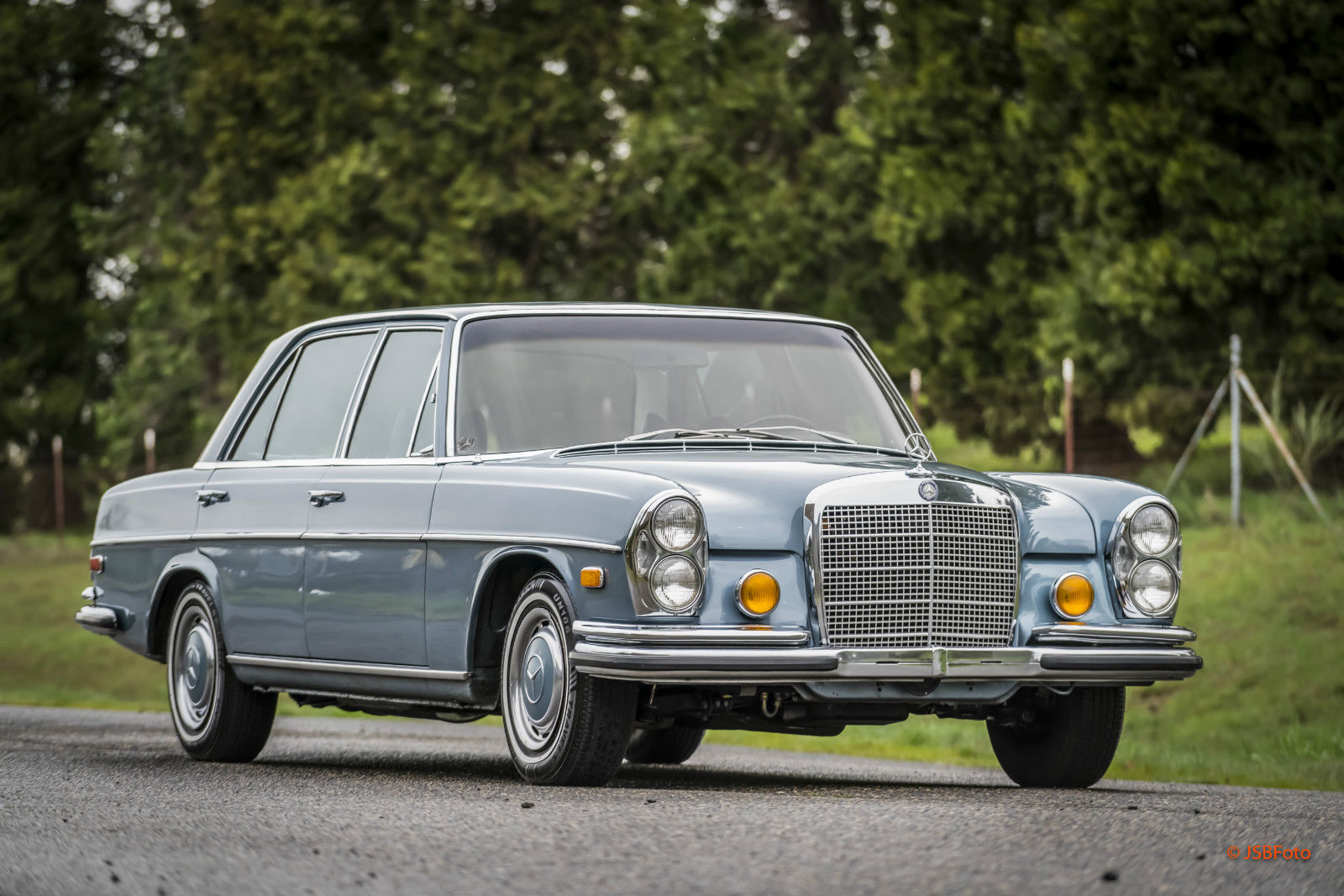 Daily turismo auction watch 1972 mercedes benz 280sel 4 5 for 1972 mercedes benz