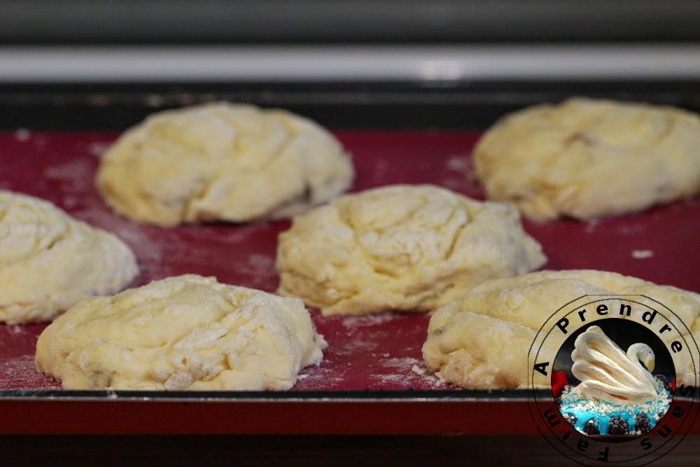 Tourbillons de pains aux raisins à l'ancienne (pas à pas en photos)